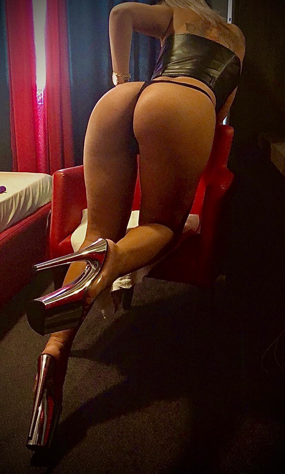 Escorte bcr sex cupluri craiova, fotografii escorte mature romania matura ofer sex oral